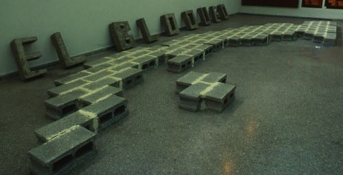 Tonel (Antonio Eligio Fernández], El bloqueo [The Blockade], 1989, instalación / installation view, III Bienal of Havana (artwork © Tonel; photograph provided by Ramón Martínez Grandal)