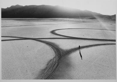 Michael Heizer, Circular Surface, Planar Displacement Drawing, 1969. El Mirage Dry Lake, California, 1969 (photograph © Gianfranco Gorgoni, provided by Getty Research Institute, Los Angeles)